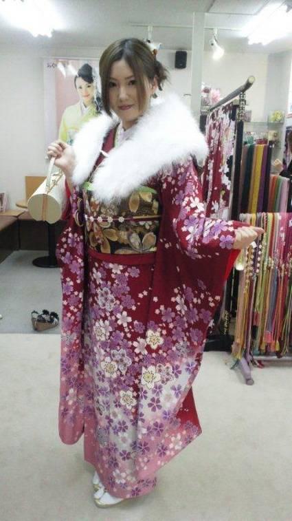 Miku prøver kimono til 20-års dagen